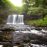 Hilly Cascade Live Wallpaper 2