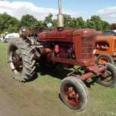 Jigsaw Puzzles Farmall Tractor 1.0