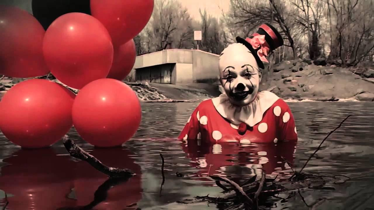 Horror Circus Wallpaper