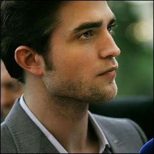 Robert Pattinson HD Wallpaper 1.0 screenshot 1